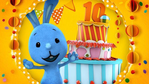 Kikaninchen wird 10 Jahre und feiert eine Geburtstagsparty.